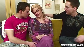Elderly Blonde Lady Pussy And Anal Fucked By Young Cocks