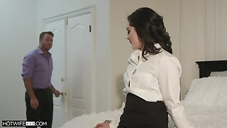 Pinch pennies is filming sexy spliced Petra Blair sucking and riding his hard phallus