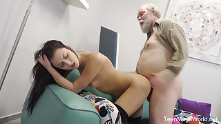 Younger girl Katy Rose loves to try sex with her older lover