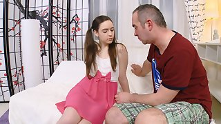 Shy student Julia is fucked for the first time in pretend of gynecologist