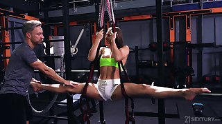 Changeable fitness babe Mia Split is fucked by personal trainer at the gym