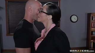 Ariella Ferrera with glasses enjoys having passionate office sex