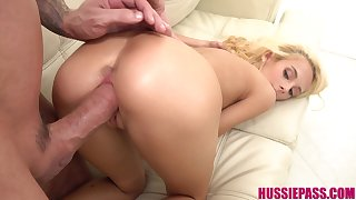 Not so shy blonde babe gets intimately acquainted with her BF's big flannel