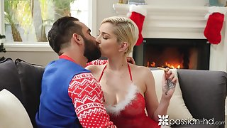 Sexy blonde babe Skye Blue kisses her ray on Xmas eve and gets nailed