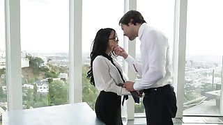 Megan Squirt gives herself to handsome boss being facialized