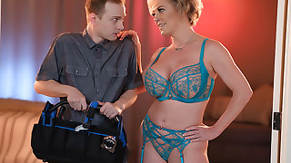 Dee Williams is horny with an increment of wants her husband thither hurl her an escort.