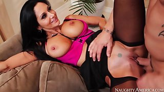 Cougar Ava Addams making out in the couch with the brush outie pussy
